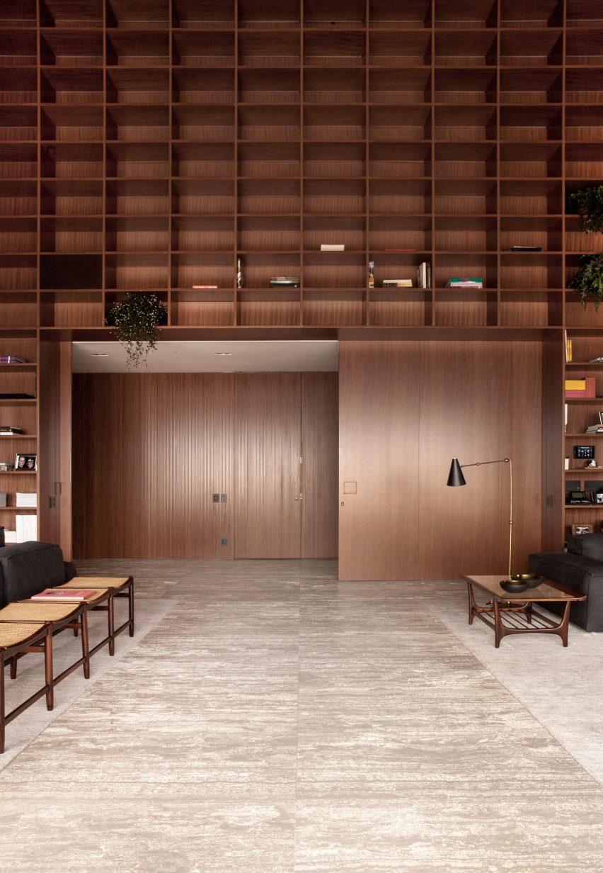 sao-paulo-penthouse-studio-mk27_dezeen_2364_col_6
