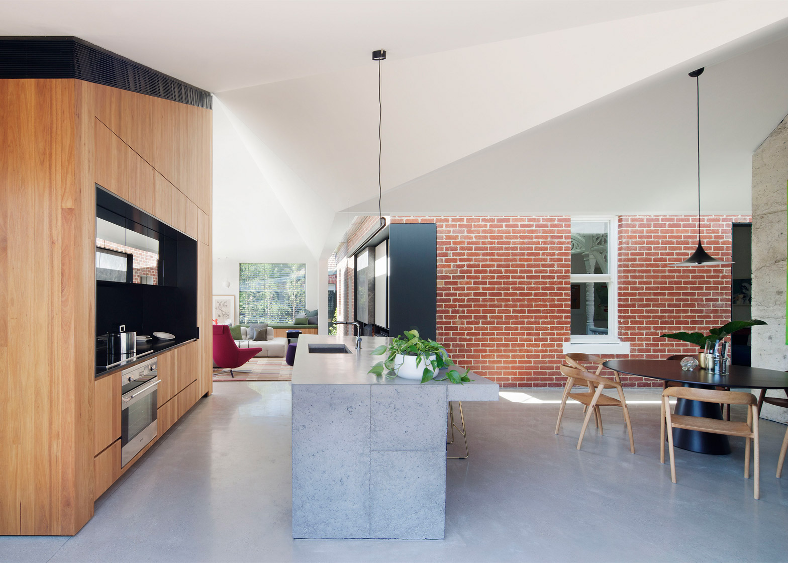 Exceptionnel Shadow House Extension Stands In The Shade Of An Edwardian Home