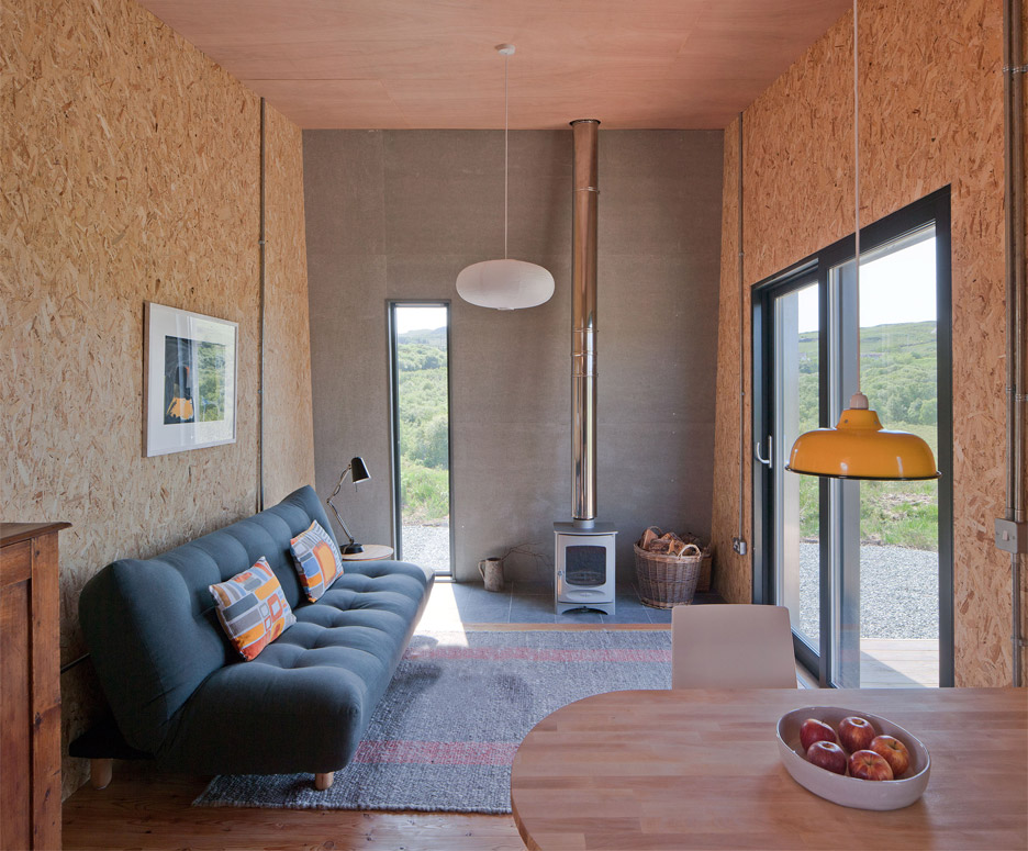 Wondrous Self Build Studio Nestles Into Rugged Isle Of Skye Landscape Largest Home Design Picture Inspirations Pitcheantrous