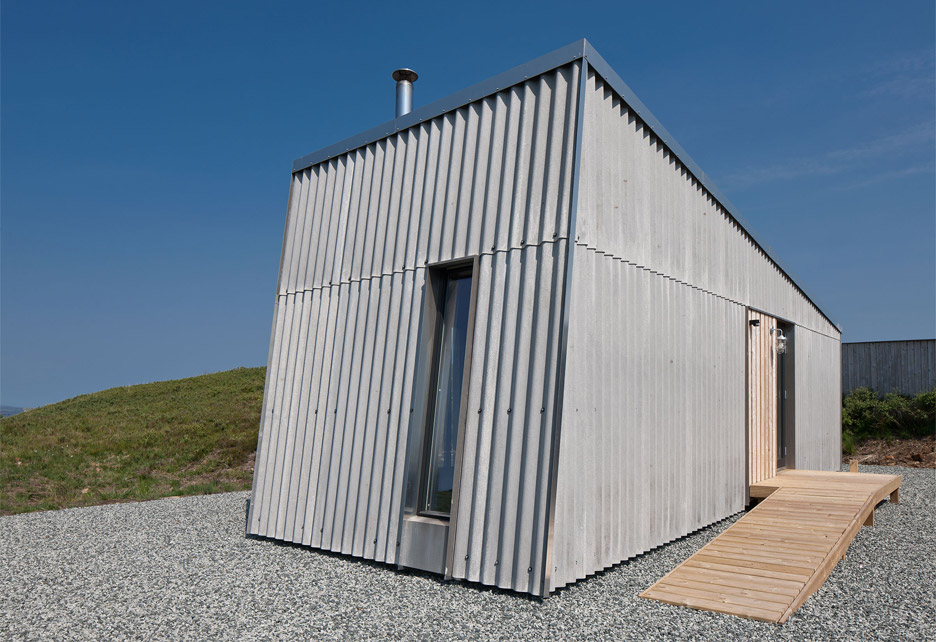 Self-build studio by Rural Design Architects nestles into rugged Isle of Skye landscape