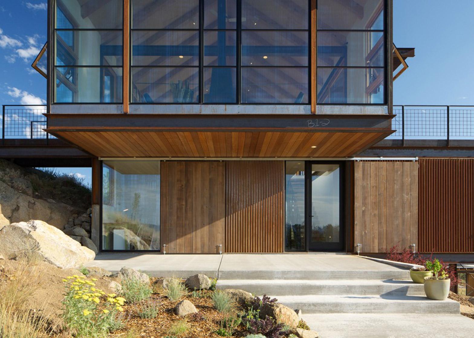 Sunshine Canyon House by Renée del Gaudio Architecture