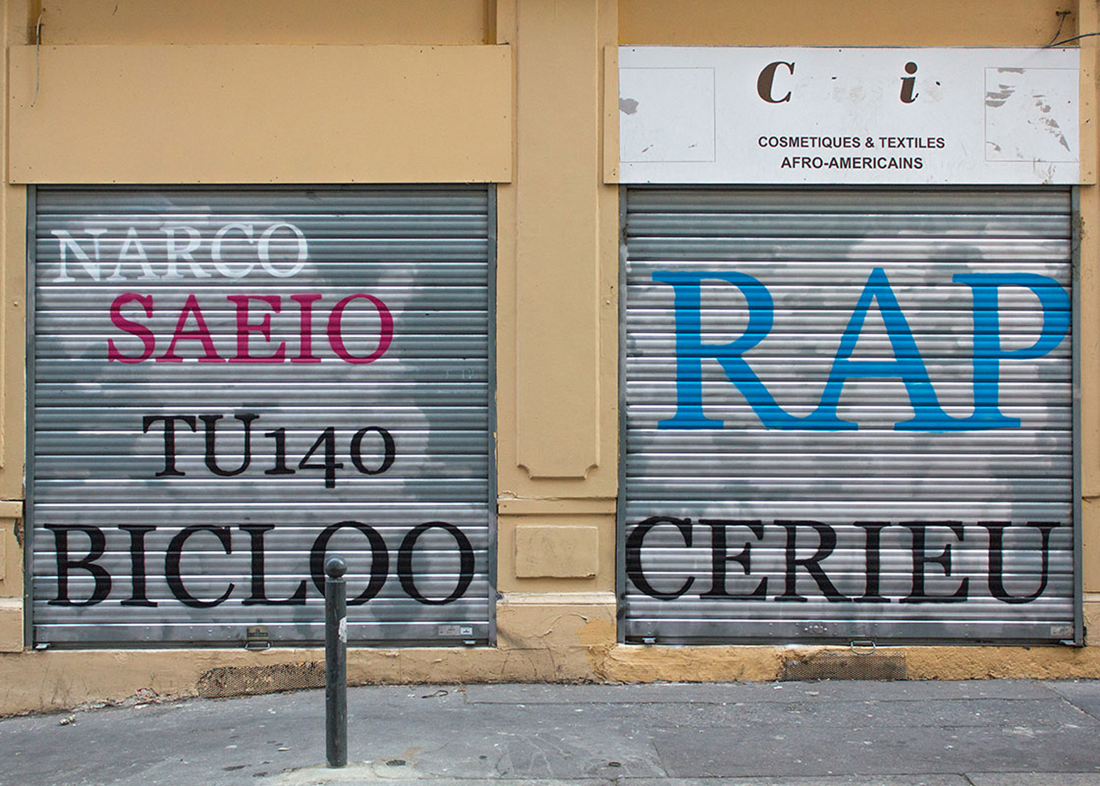Mathieu Tremblin replaces graffiti with typographic translations