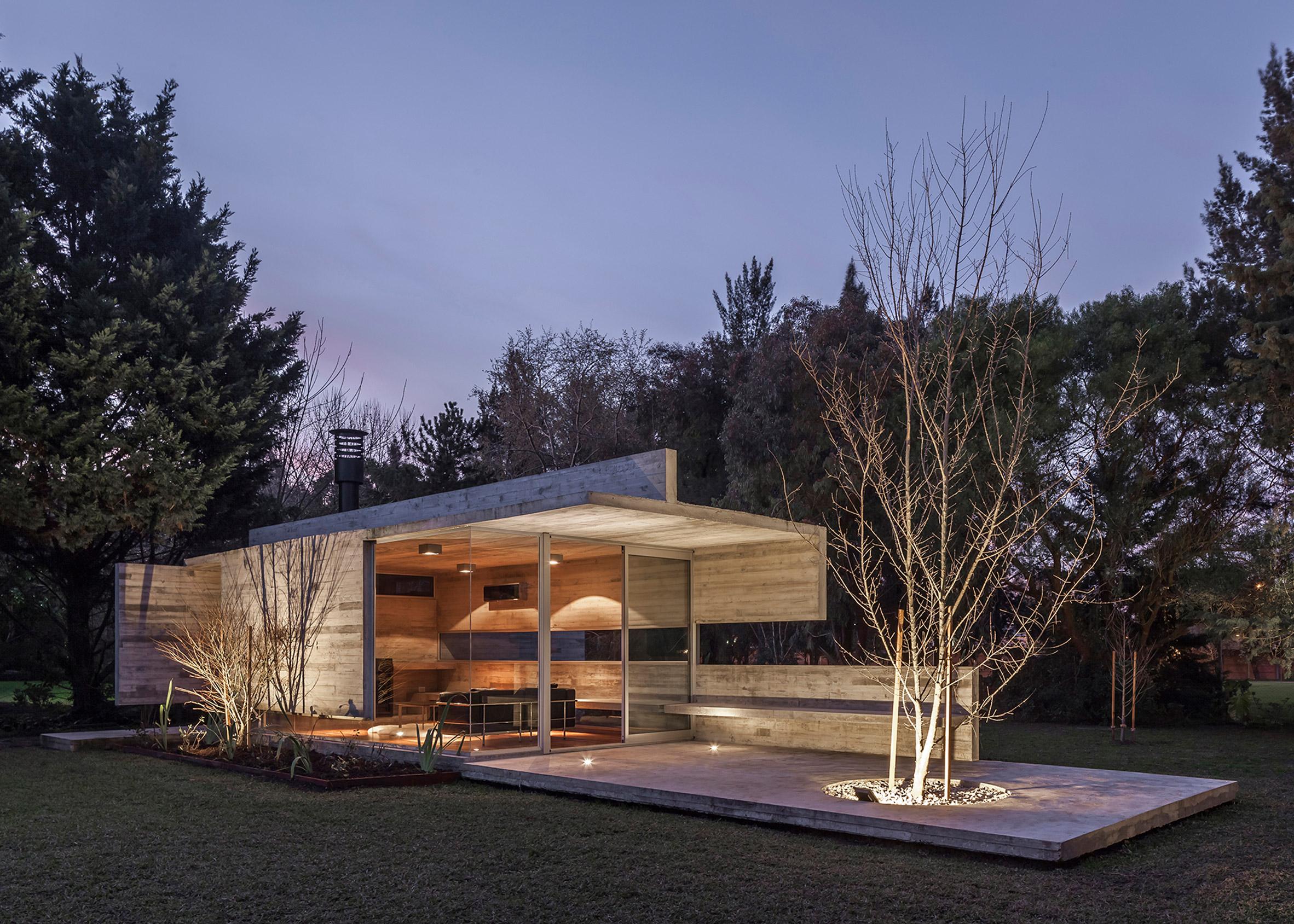 Torcuato House Pavilion by Besonías Almeida