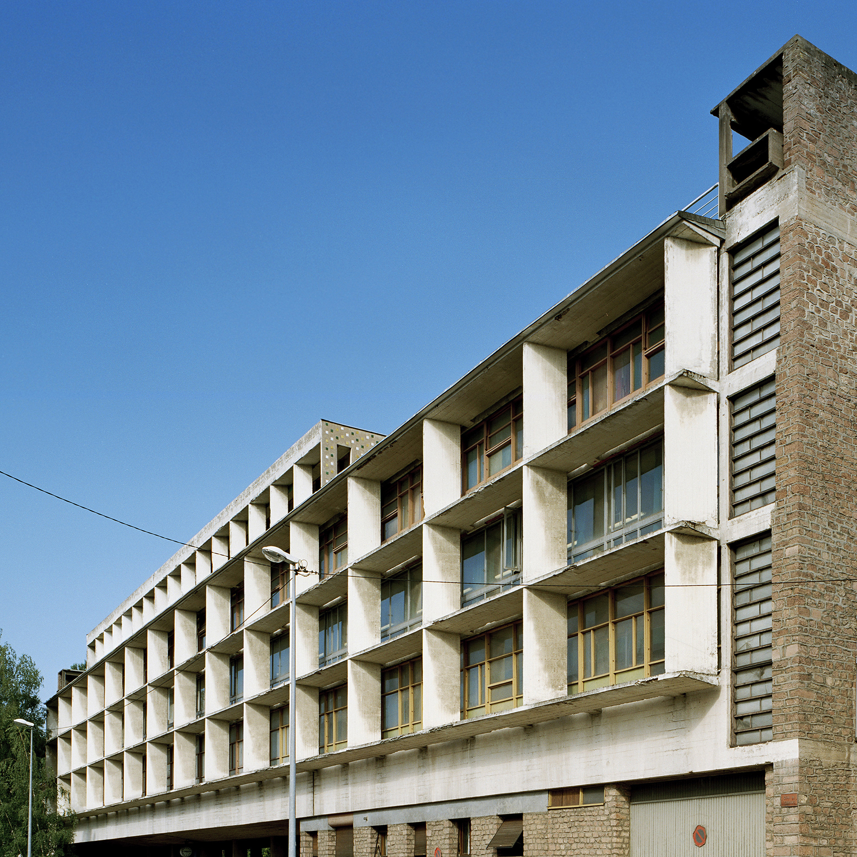 le corbusier 39 s claude et duval factory demonstrates his modulor proportion system archiweb 3 0. Black Bedroom Furniture Sets. Home Design Ideas
