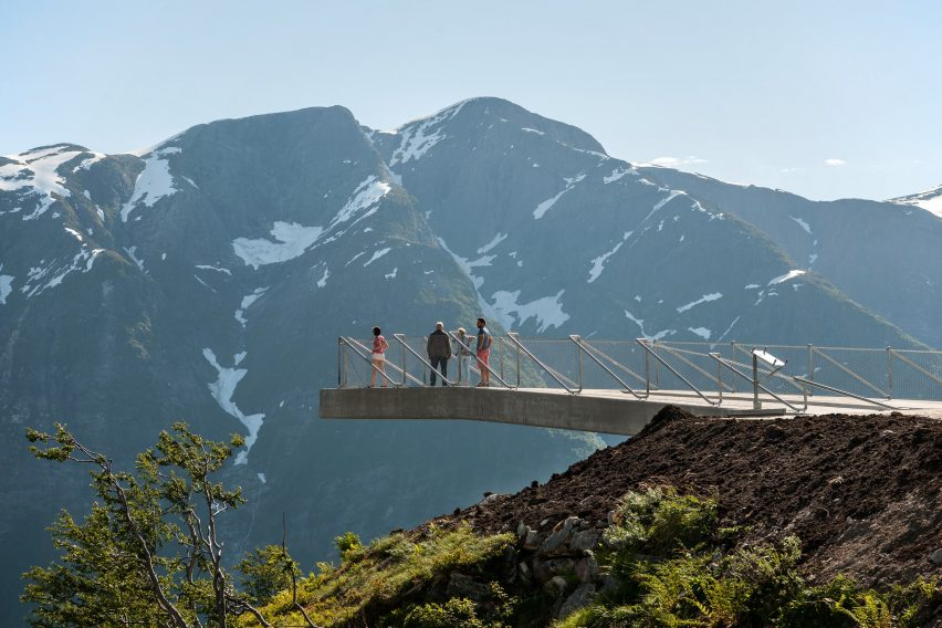 utsikten-norway-code-architecture-national-tourist-route-gaularfjellet-architecture_dezeen_2364_col_2