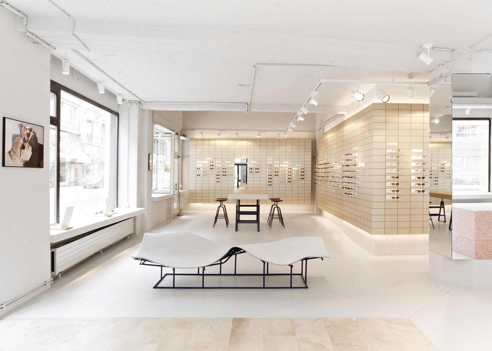 Viu Eyewear Creates Gallery Like Space For Its Vienna Flagship Store