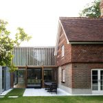 McGarry-Moon Architects updates Richmond Park gatehouse with contemporary extension
