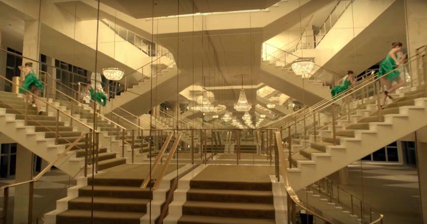 Dorothy Chandler Pavilion by Welton Becket in Spike Jonze's Kenzo perfume advert