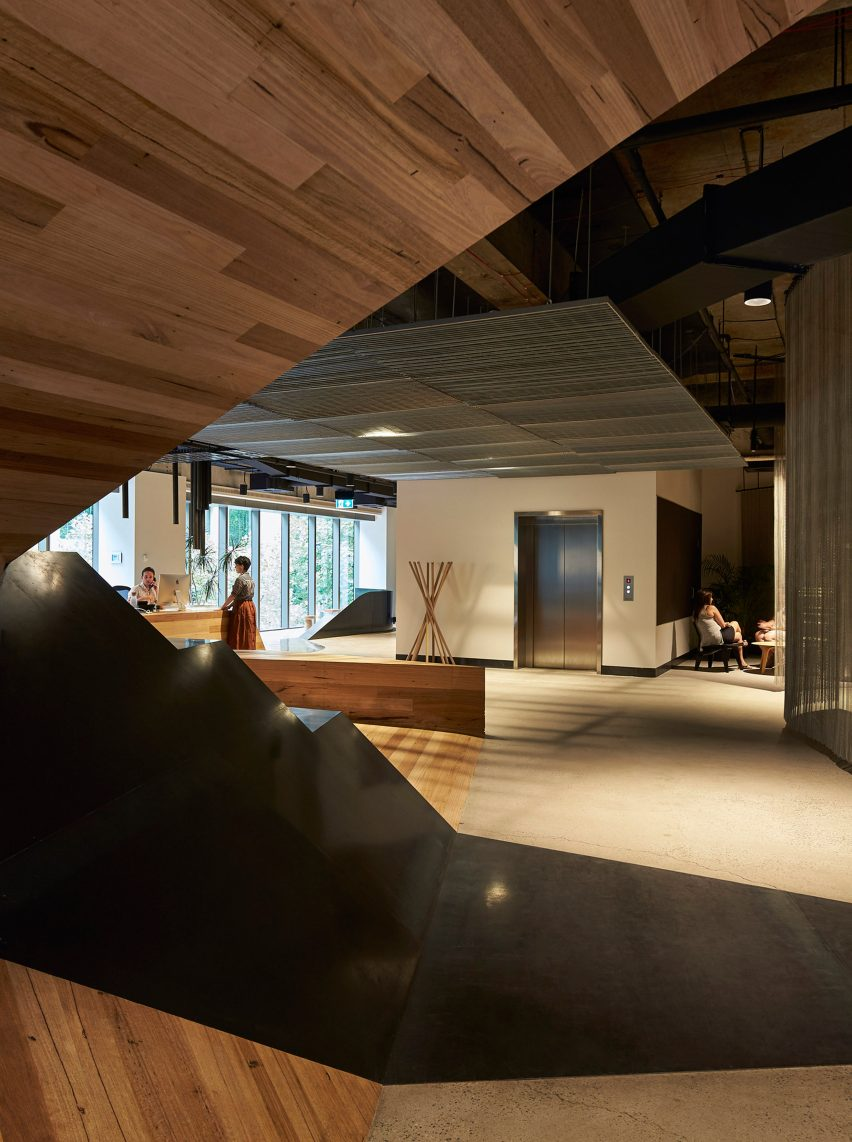 woods-bagot-melbourne-studio-australia-office-interior_dezeen_3408_17