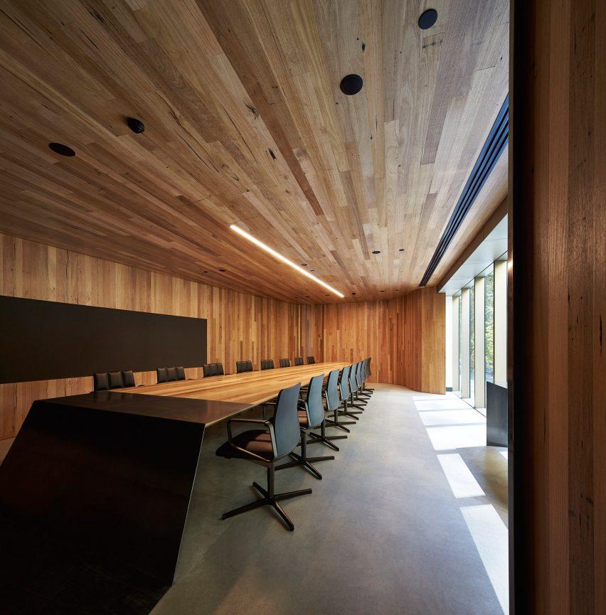 woods-bagot-melbourne-studio-australia-office-interior_dezeen_3408_2