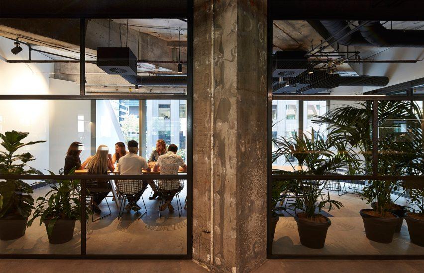 woods-bagot-melbourne-studio-australia-office-interior_dezeen_3408_4