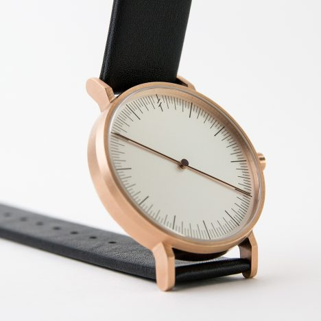 Simpl becomes latest watch brand to design a one-handed timepiece