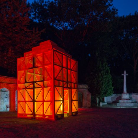 Sam Jacob erects Adolf Loos-designed mausoleum in Highgate Cemetery