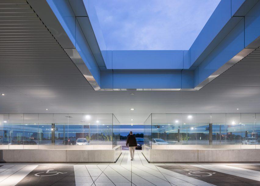 Breda public transport terminal by Koen van Velsen Architects