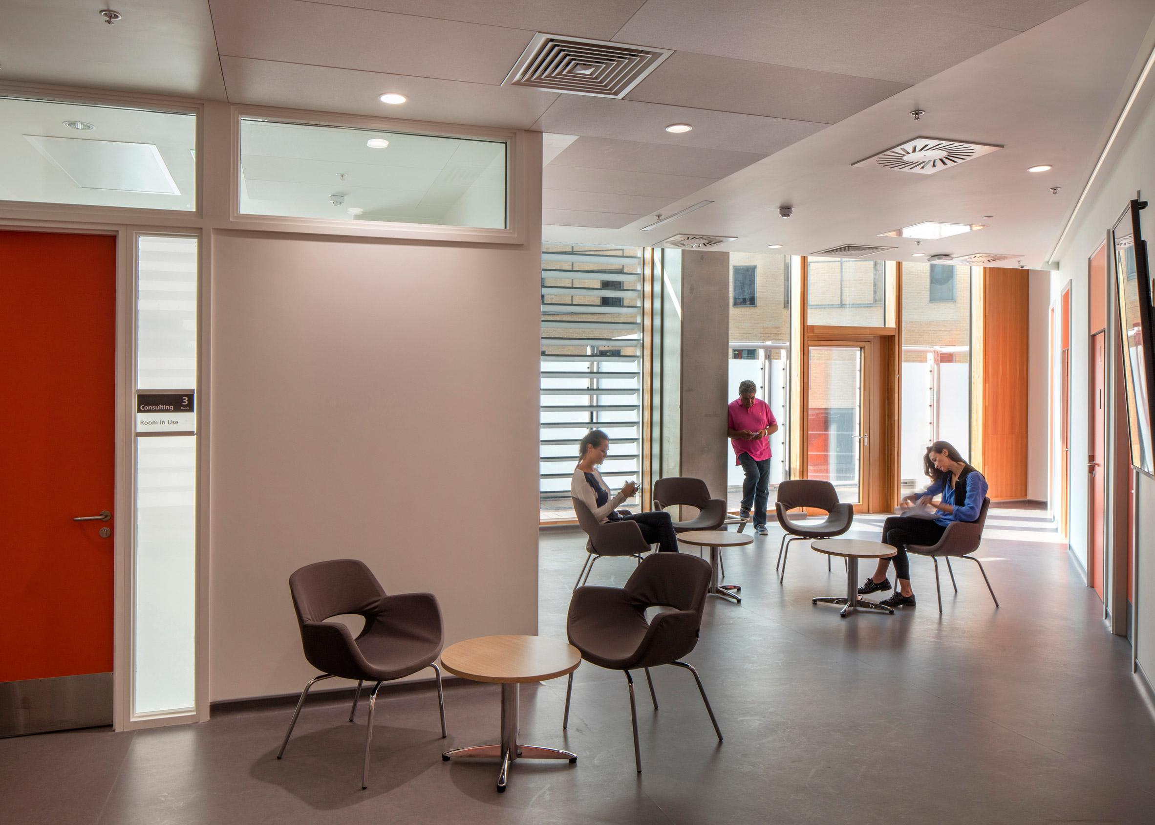 Rogers Stirk Harbour's £160 million cancer treatment centre opens at London hospital