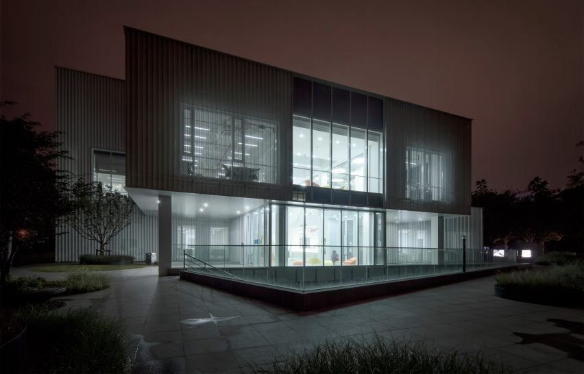 caohejing-hi-tech-park-schmidt-hammer-lassen-architects-shanghai-china_dezeen_2364_col_2