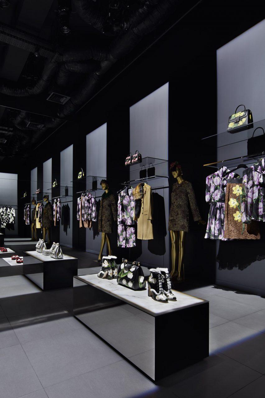 Dolce&Gabbana, Tokyo Aoyama new boutique by Gwenael Nicolas