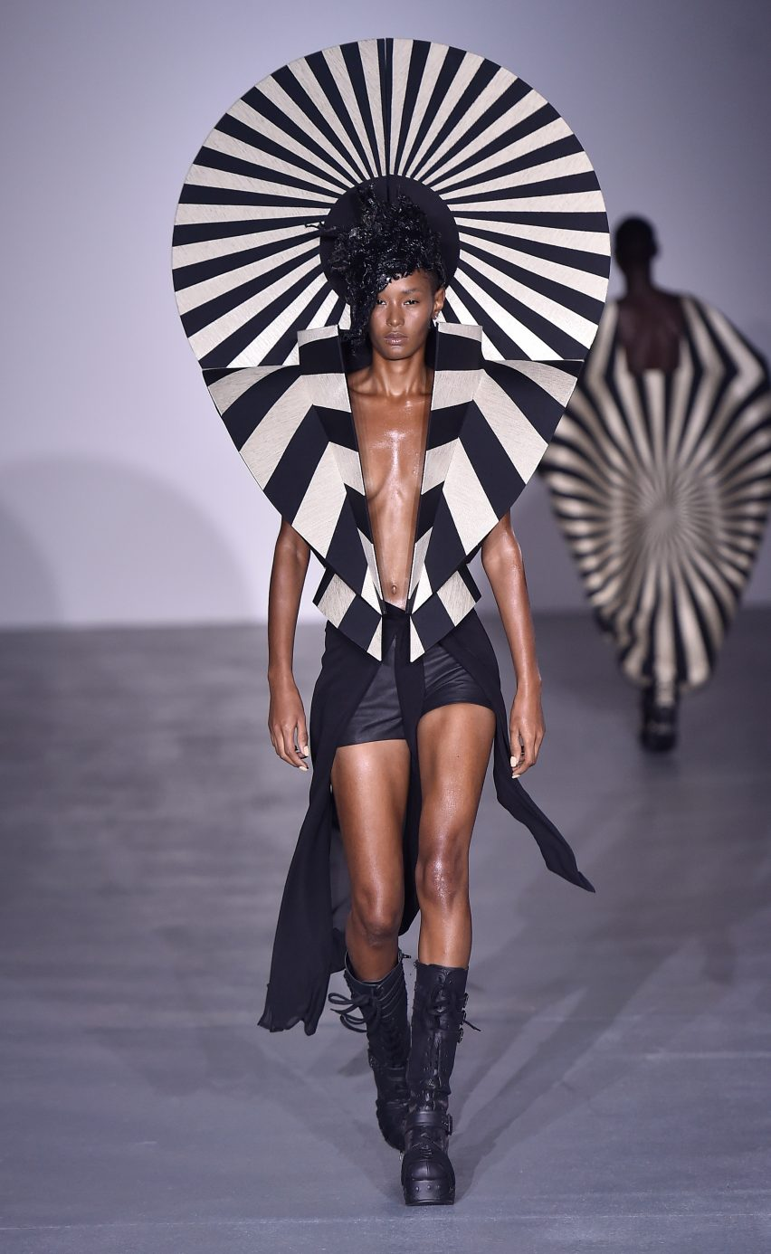 Gareth Pugh Spring Summer 2017 fashion collection