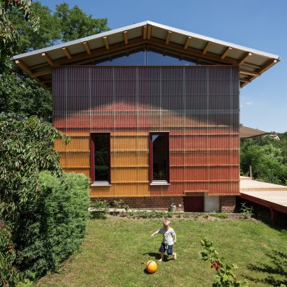 house-in-davle-matej-petranek-adam-jirkal-central-bohemia_dezeen_sq