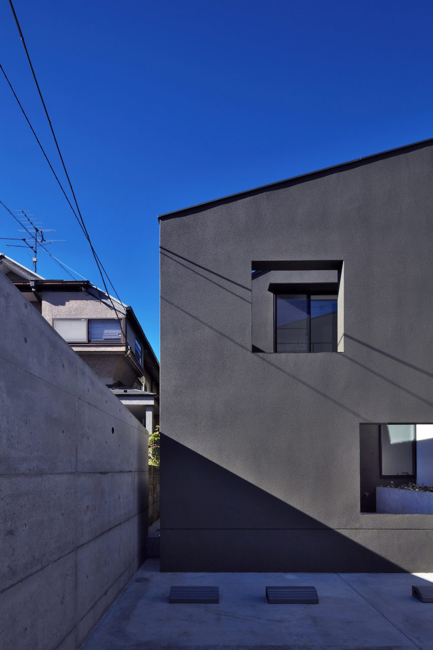 house-of-fluctuations-satoru-hirota-architects-architecture-tokyo-japan-residential_dezeen_2364_col_16