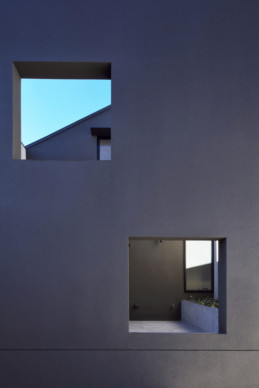 house-of-fluctuations-satoru-hirota-architects-architecture-tokyo-japan-residential_dezeen_2364_col_20