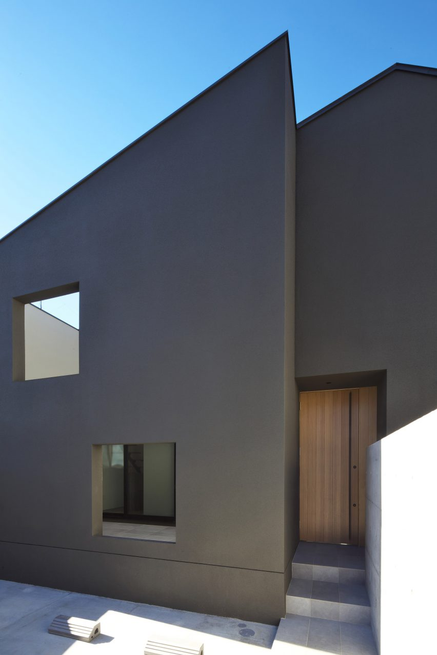 house-of-fluctuations-satoru-hirota-architects-architecture-tokyo-japan-residential_dezeen_2364_col_23