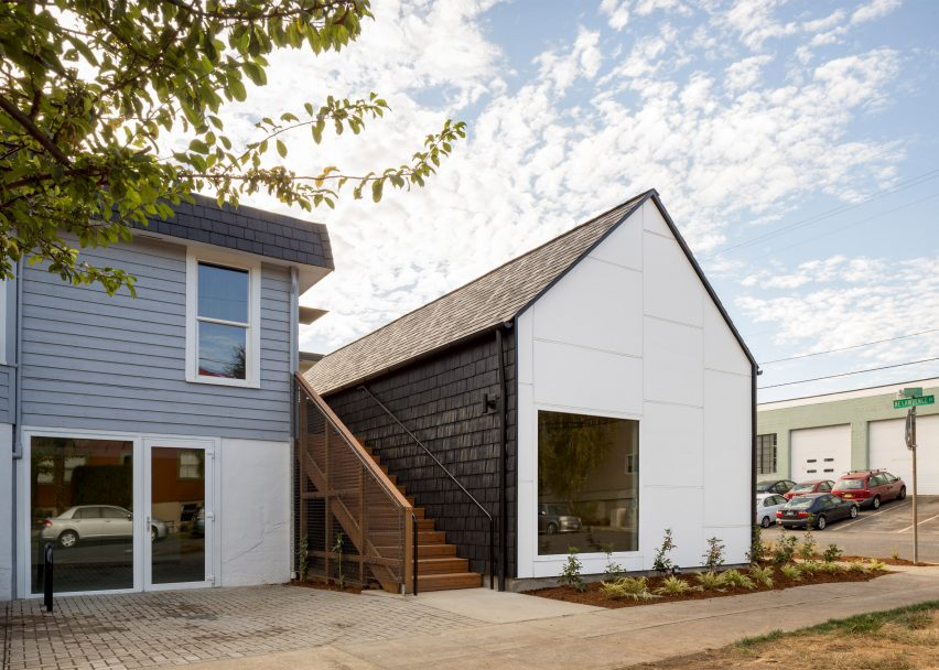 Laura's place by Architecture Building Culture