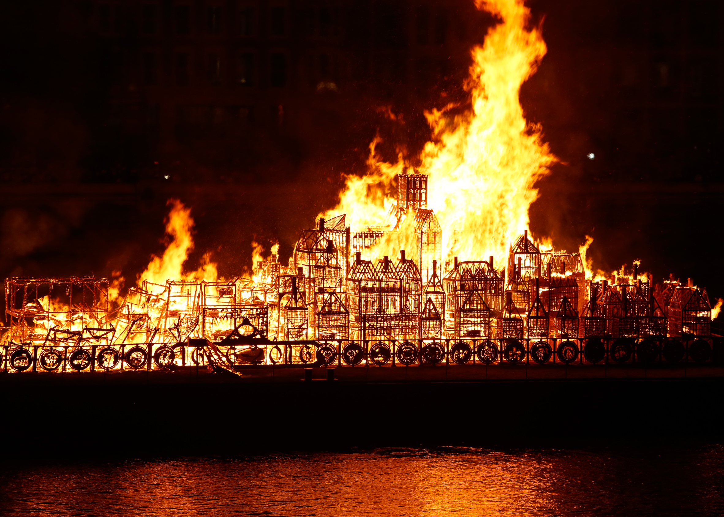 London set ablaze for Great Fire anniversary