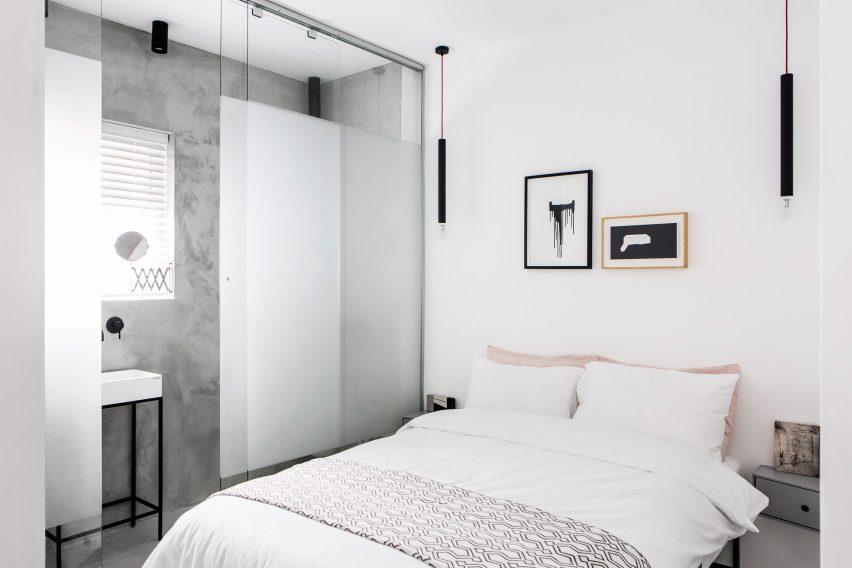 minimalist-tel-aviv-apartment-yael-perry-israel_dezeen_2364_col_11