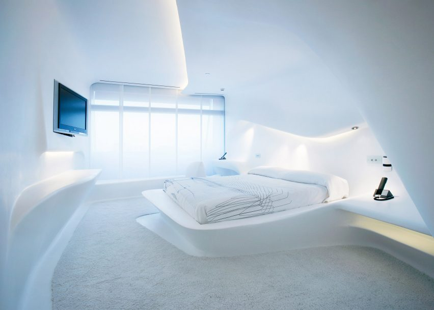 """""""Sleeping in a dumpster more comfortable"""" than Zaha Hadid-designed hotel room says Moby"""