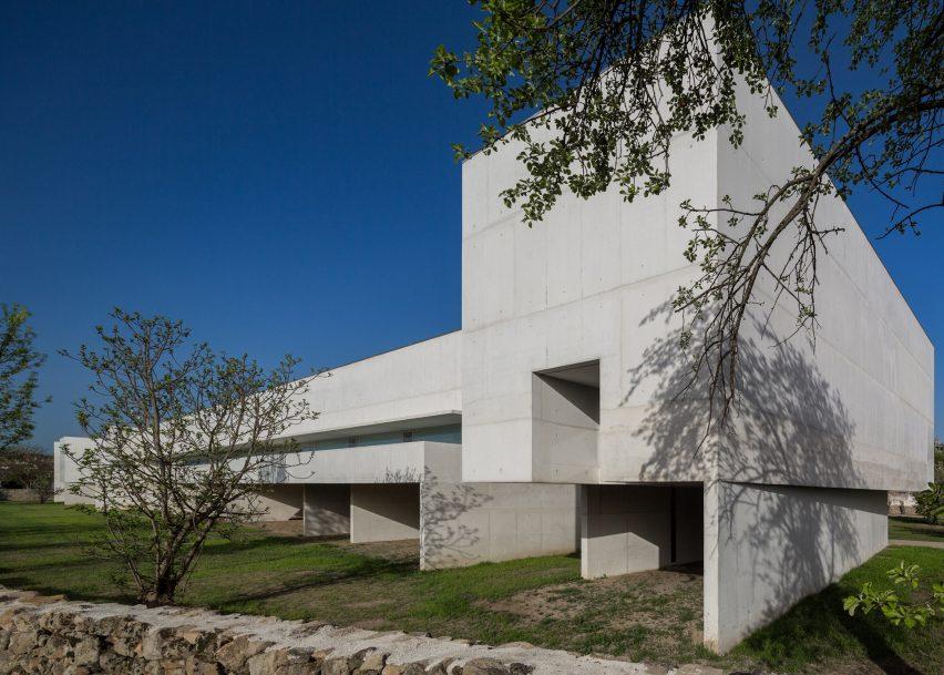 Nadir Afonso Foundation by Álvaro Siza Vieira, photographed by Fernando Guerra