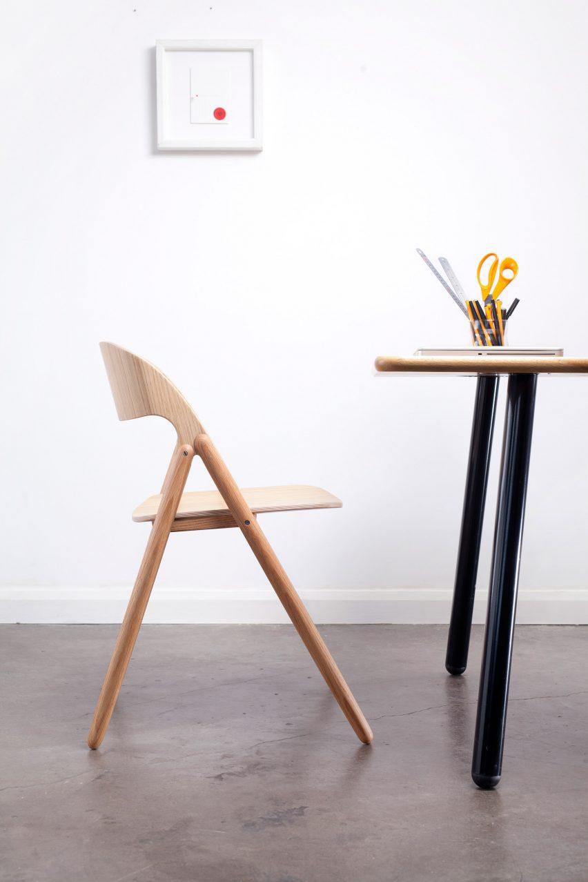 narin-chair-david-irwin-case-furniture-folding-wooden_dezeen_2364_col_12