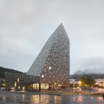Norwegian Mountaineering Center by Reiulf Ramstad Arkitekter