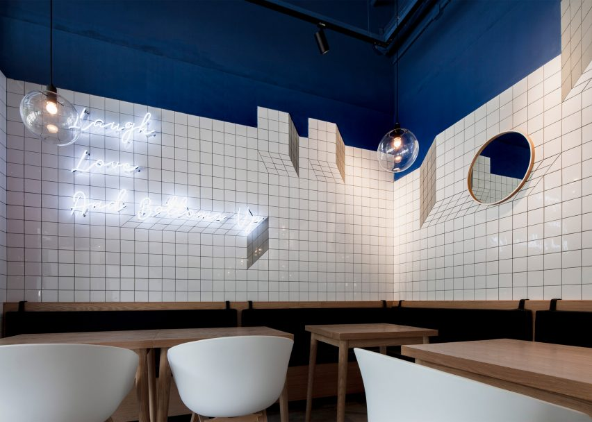 Paras Cafe by Swimming Pool Studio