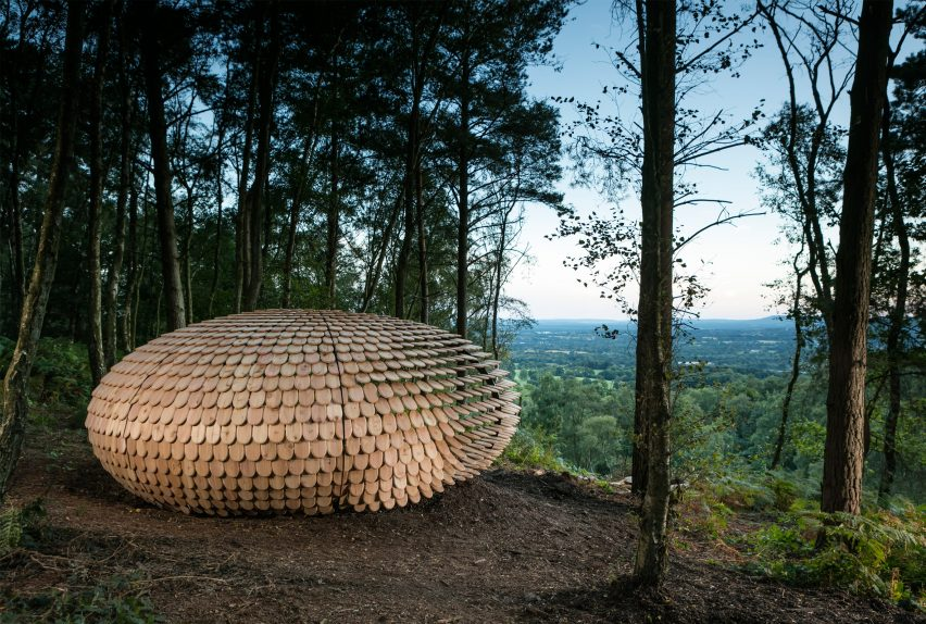 Giles Miller designs shingle-covered pavilion for English countryside