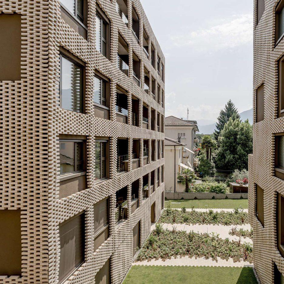 Brick pixel patchwork envelops residenza le stelle for Studi di architettura