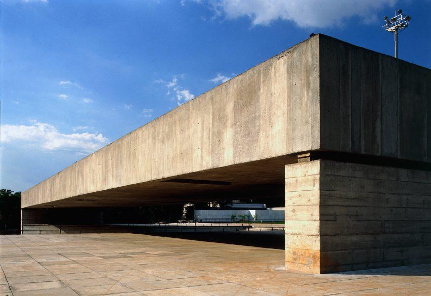 riba-gold-medal-winner-paulo-mendes-da-rocha-architecture-news_dezeen_2364_col_14