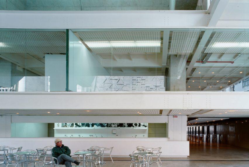 riba-gold-medal-winner-paulo-mendes-da-rocha-architecture-news_dezeen_2364_col_7