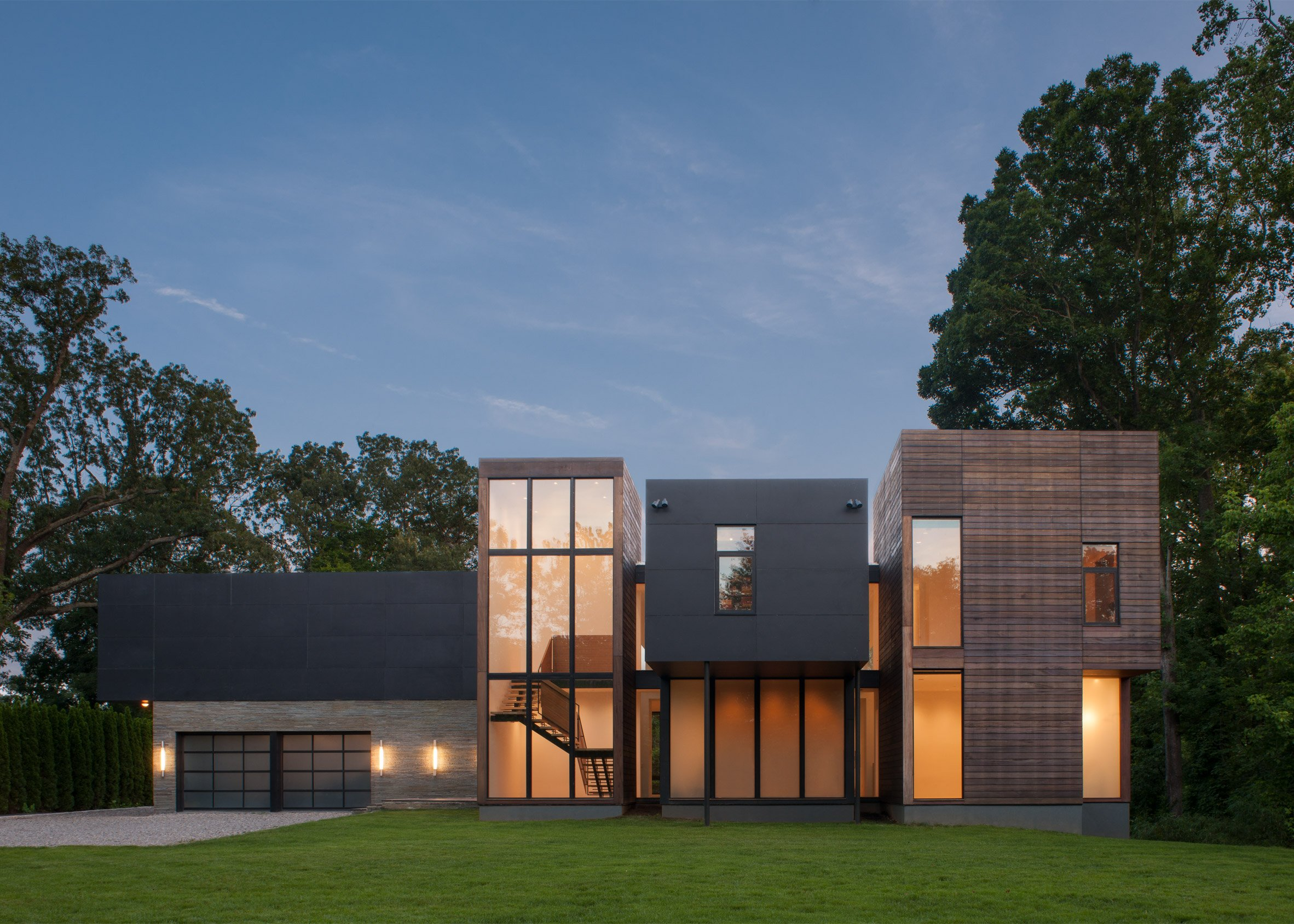 Robert Gurney perches a Maryland home on a ridge overlooking a river