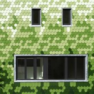 "Green shingles cover ""peculiar"" Schuppen house by Brandt + Simon Architekten"