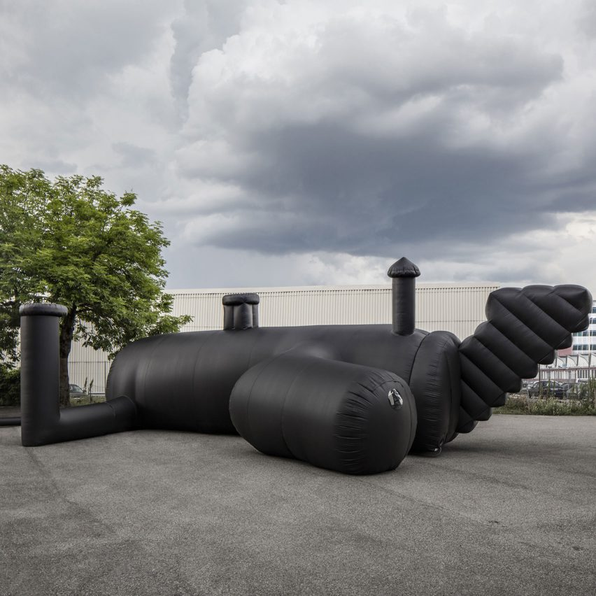 shelter-architecture-black-inflatable-installation-pvc-bureau-a_dezeen_sqa