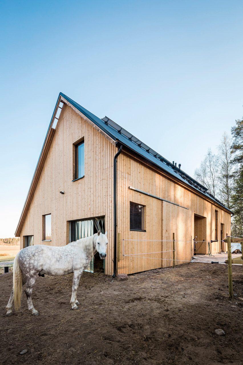 Stable Kekkapää by Pook Architects