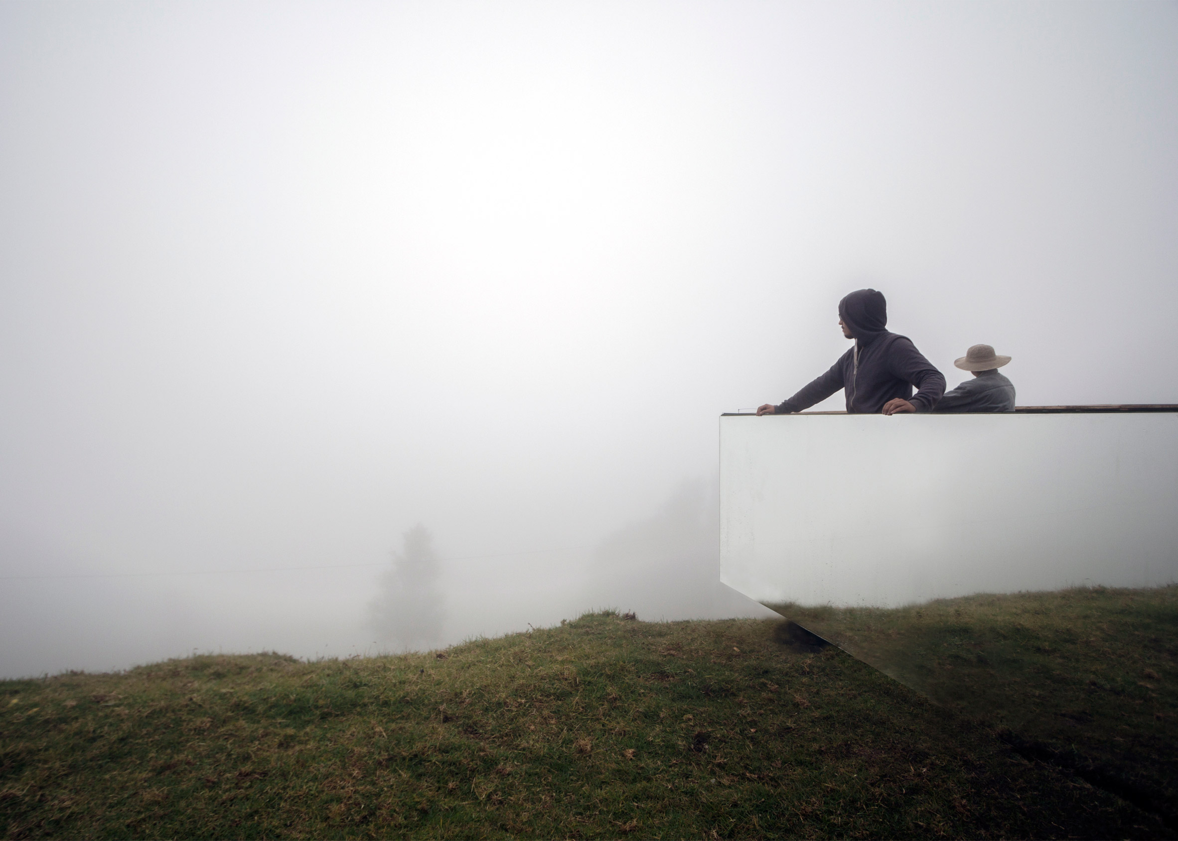 Mirrored observation point by Natura Futura Arquitectura surveys Ecuadorean landscape