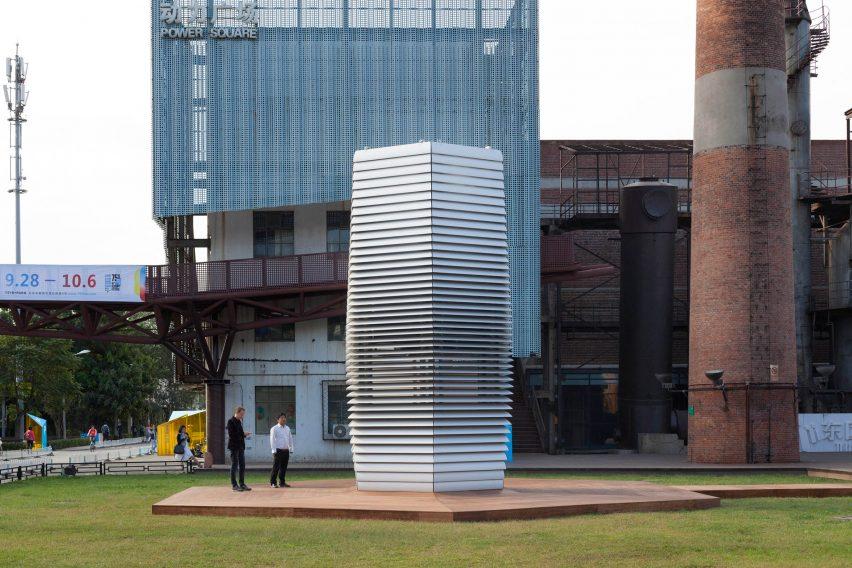 the-smog-free-tower-studio-daan-roosegaarde-beijing-chinaderrick-wang-dezeen_2364_col_5