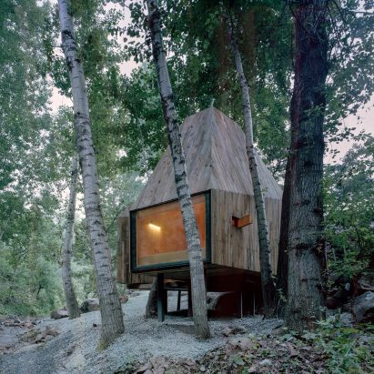Wee Studio completes crowdfunded treehouses on the edge of a stream in Beijing