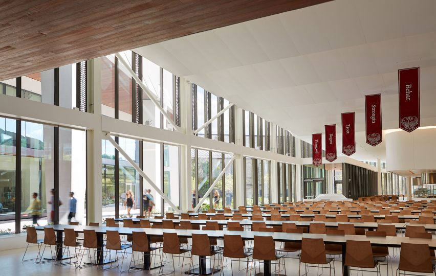 university-of-chicago-campus-north-residential-commons_studio-gang-architects_steve-hall-copyright-hedrich-blessing_dezeen_2364_col_4