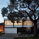 Branch Studio Architects revamps 1960s dream house in Melbourne
