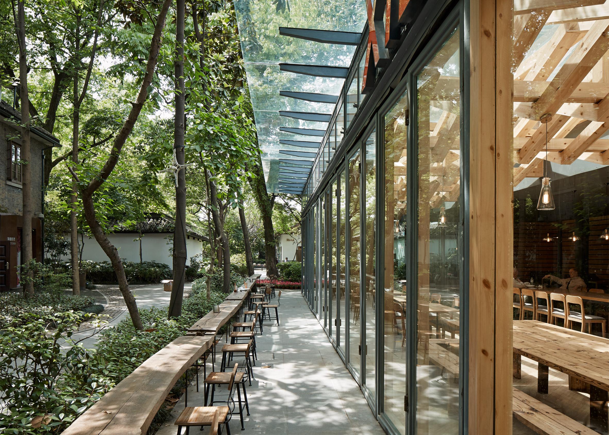 Xie Xie Cafe by Xooo Architects
