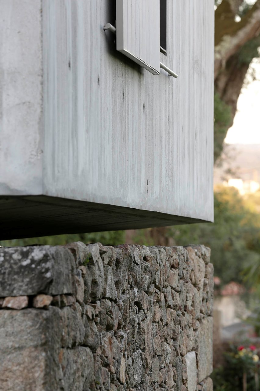 The-Dovecote-by-AZO-Sequeira-Arquitectos-Associados-portugal-architecture_dezeen_2364_col_12