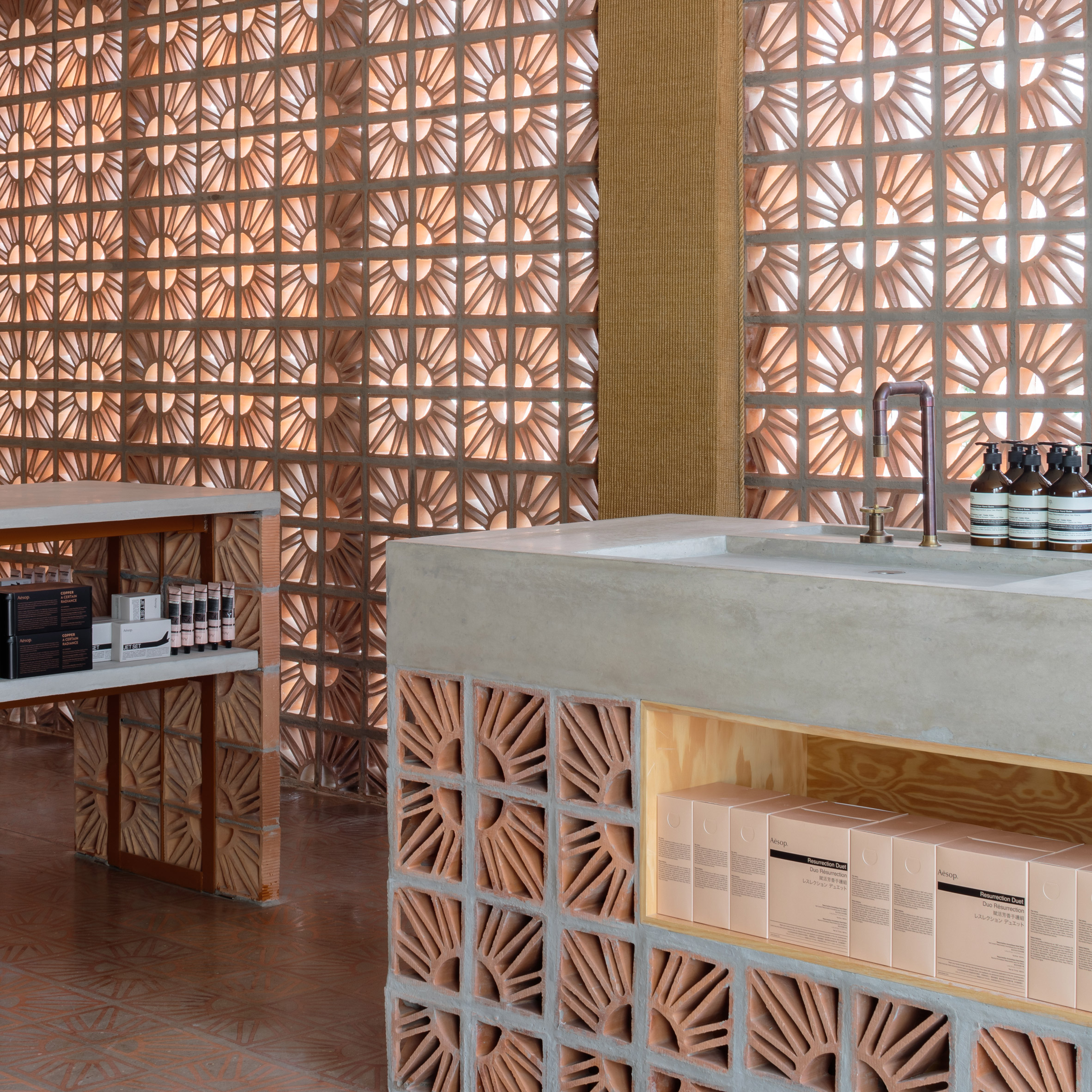 campana brothers use hollow terracotta blocks for sa o paulo aesop